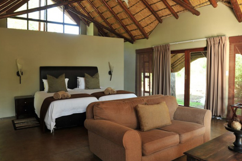 Black Rhino Game Lodge - Pilansberg National Park - Journey in Style