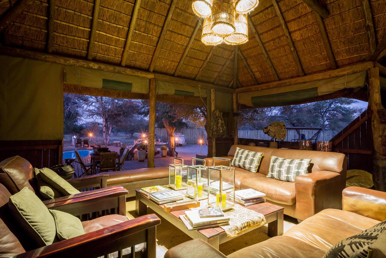haina-kalahari-lodge-kalahari-accommodations-botswana-destinations-journey-in-style-southern-africa-haina-kalahari-lodge-common-area